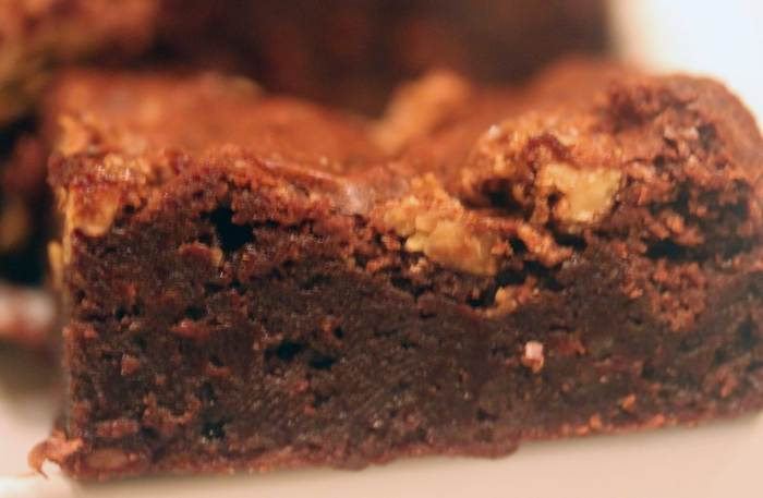 Crunchy Candied Pecan Brownies