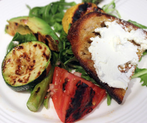 Grilled-Vegetable-and-Arugula-Salad-with-Crostini