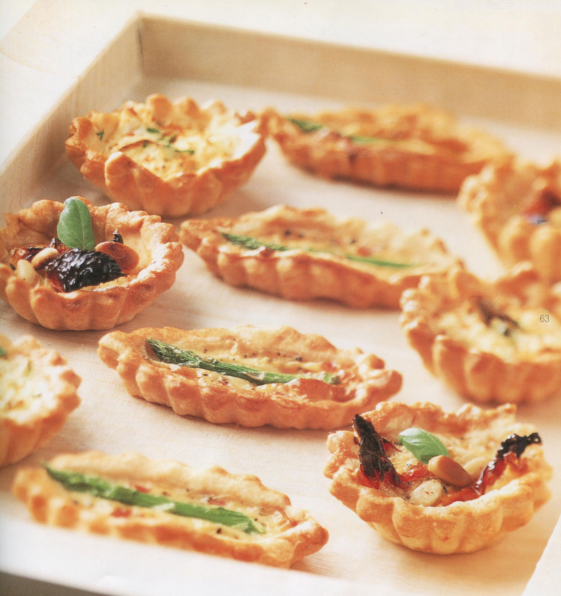 Mini Tarts with Many Fillings from Fingerfood for Super Bowl